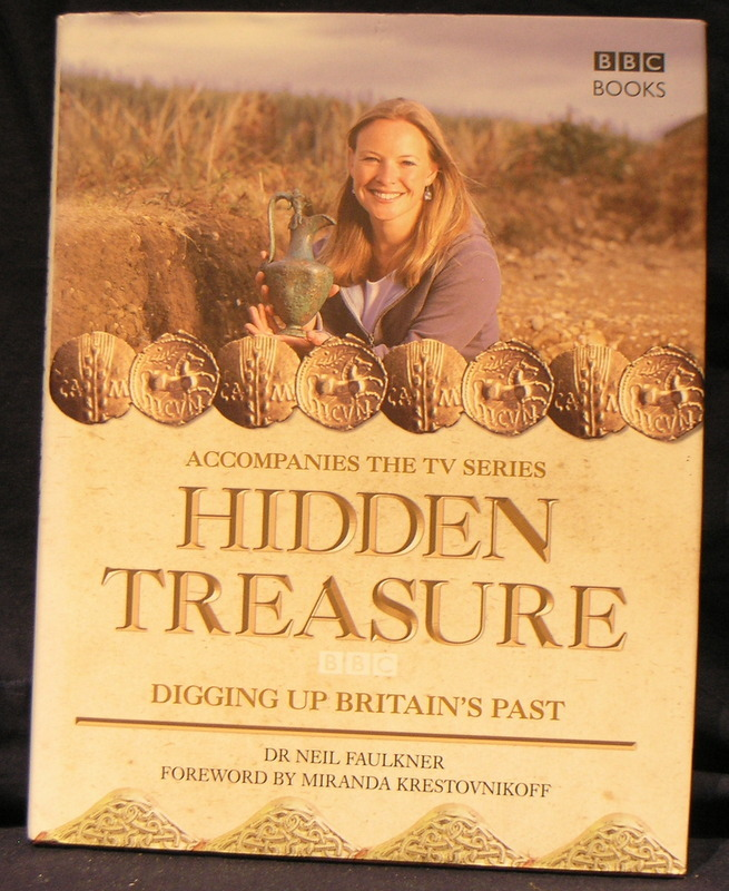 Image for Hidden Treasure: Digging Up Britain's Past